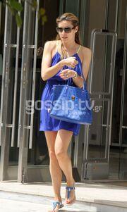 Μαριέττα Χρουσαλά: Βόλτα για ψώνια στην Γλυφάδα!