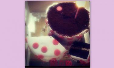 Σταματίνα Τσιμτσιλή: B-day cake με την λέξη «Mom»