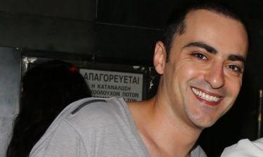 Θανάσης Αλευράς: «Αν είχα ένα ΑΤΜ το οποίο μου έβγαζε τον μήνα 1000 ευρώ για τα πάγια έξοδά μου, θα έκανα ωραιότατες διακοπές!»