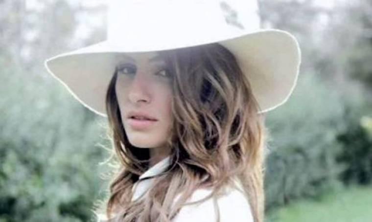 Ακούστε το νέο single της Έλενας Παπαρίζου με τίτλο «Save me»