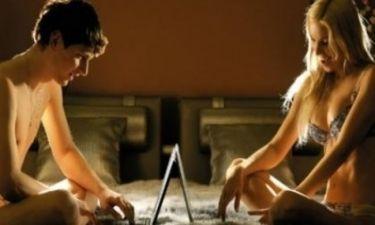 Πώς να φλερτάρετε σωστά μέσω... ίντερνετ!