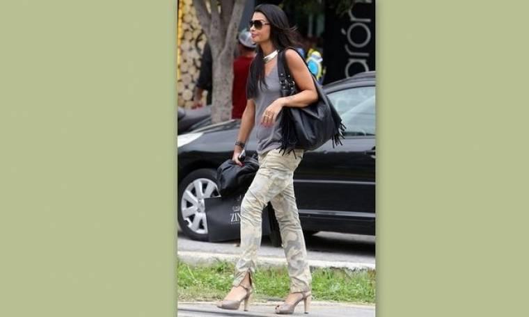 Νίνα Λοτσάρη: Βόλτα στην Γλυφάδα