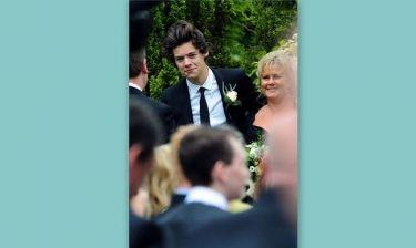 Ο Harry Styles πάντρεψε την μαμά του