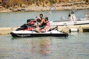 Μίλτος Καμπουρίδης: Κάνει jet ski με τα παιδιά του