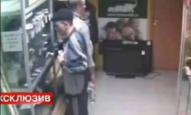 Aπίστευτο περιστατικό: Έκλεψε μαγαζί και... ξέχασε το διαβατήριό του