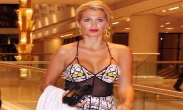 Δείτε τη Κωνσταντίνα Σπυροπούλου με καυτό σορτσάκι στο γυμναστήριο!