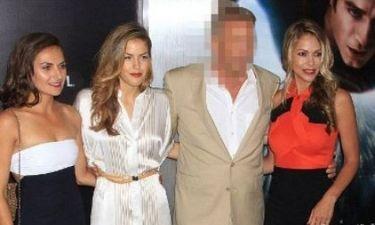 Πασάς στα Γιάννενα: Ποιος star του Hollywood εμφανίστηκε σε πρεμιέρα αγκαλιά με... τρεις καλλονές;