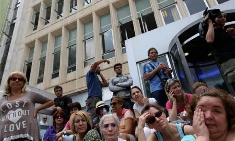 Διεθνή ΜΜΕ: Το κλείσιμο της ΕΡΤ ανάβει τη φλόγα των διαδηλώσεων