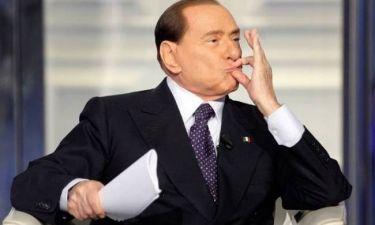 «Καίει» τον Μπερλουσκόνι: Με ανάγκασε να κάνω σεξ μαζί του!