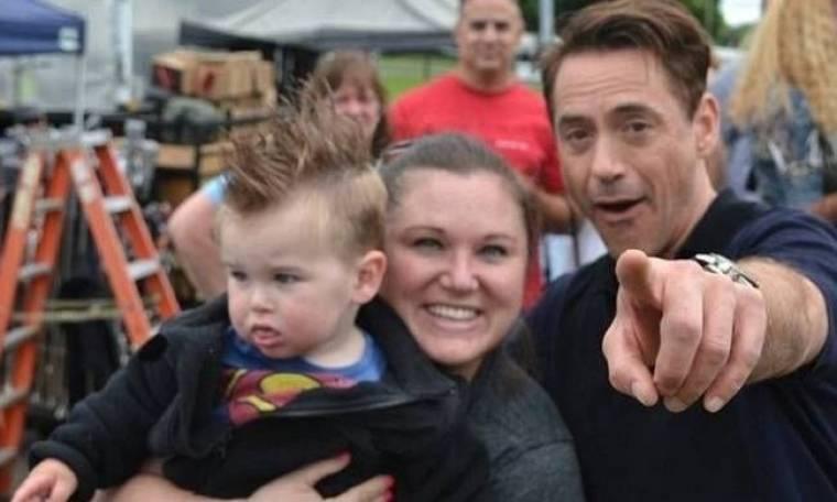 Μπόμπιρας είδε τον... Iron Man και έβαλε τα κλάματα (pics)!