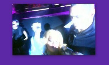Απίστευτο βίντεο:Η Rihanna χτύπησε θαυμαστή με το μικρόφωνο!