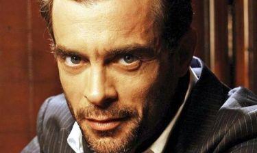 Κωνσταντίνος Μαρκουλάκης: «Έχω την ανάγκη να διοχετεύω την ενεργητικότητά μου σε μια παράσταση αλλιώς νιώθω κενό»