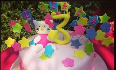Ποια διάσημη μαμά έκανε αυτή την τούρτα στην κορούλα της;