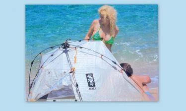 Μενεγάκη- Ματέο: Έστησαν αντίσκηνο στην παραλία