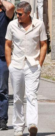 Ο Clooney είναι εργένης και το… γιορτάζει!