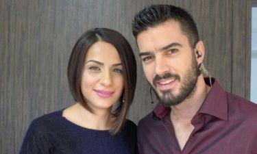 Αποχώρησε η συμπαρουσιάστρια του Γιάννη Τσιμιτσέλη από την εκπομπή «Μιλάμε Κυπριακά»