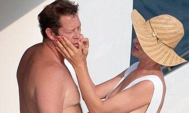 Τα «καυτά» φιλιά της Uma Thurman με τον αγαπημένο της στο Saint Tropez