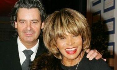 Η Tina Turner πατρεύτηκε μετά από 27 χρόνια σχέσης