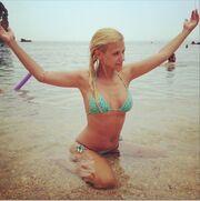 Λάουρα Νάργες: Πόσταρε σέξι φωτογραφίες της στο twitter!