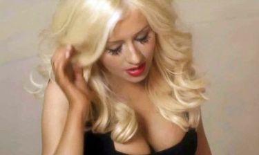 Πιο αποκαλυπτική από ποτέ η Christina Aguilera