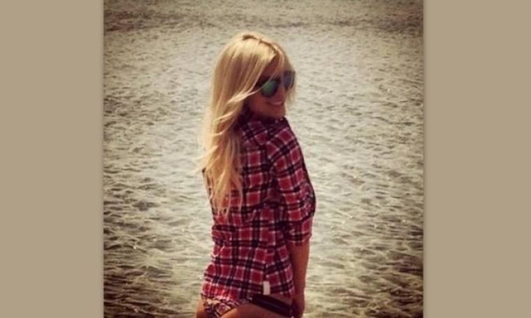 Κατερίνα Καινούργιου: Δείτε την μετά από μια καυτή νύχτα με το πουκάμισο του καλού της! (Nassos blog)