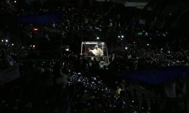 Κόπακαμπάνα: Η απίστευτη φωτογραφία από την συγκέντρωση για τον Πάπα