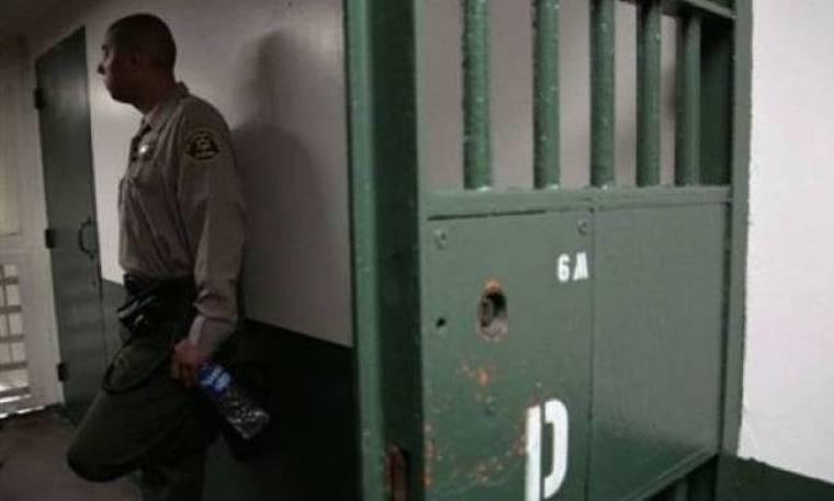 Έγιναν εμπρηστές για να... δουν τον φίλο τους στη φυλακή!