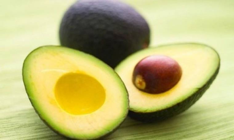 Πολλές οι καλοκαιρινές συνταγές με αβοκάντο, αλλά πώς διαλέγουμε το κατάλληλο;
