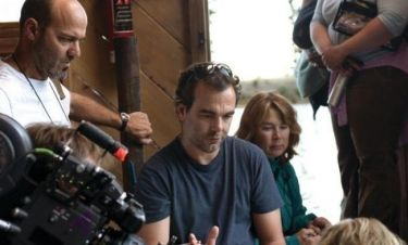 Ντένης Ηλιάδης: Ο Έλληνας σκηνοθέτης ετοιμάζει το remake της ταινίας «Τα πουλιά»
