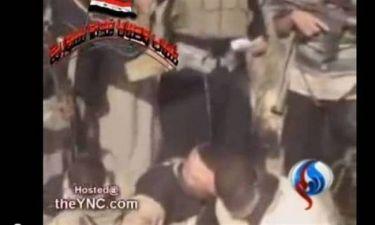 ΠΡΟΣΟΧΗ ΣΚΛΗΡΕΣ ΕΙΚΟΝΕΣ: Σύροι αντάρτες καίνε ζωντανούς στρατιώτες