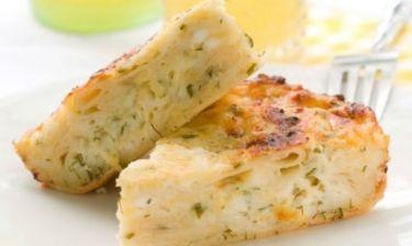 Συνταγή για λαχταριστή τυρόπιτα έτοιμη σε πέντε λεπτά!