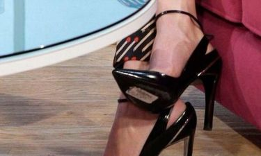 Ουπς! Ξέχασε να βγάλει την ετικέτα από τα καινούργια της παπούτσια!