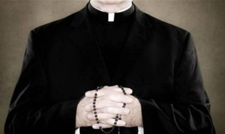 Καθαιρέθηκε πρώην ιερέας που καταδικάστηκε για παιδεραστία