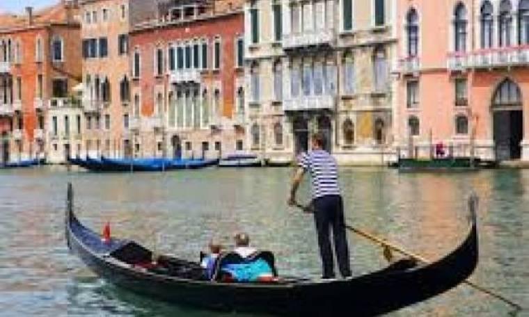 Τραγωδία με γόνδολα στη Βενετία - Νεκρός τουρίστας