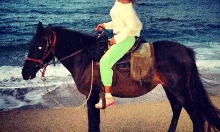 Καβάλα στο άλογο η…