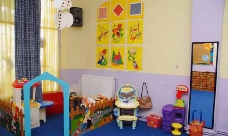 Διαβεβαιώσεις πως θα βρεθούν οι επιπλέον πόροι για το πρόγραμμα δωρεάν φιλοξενίας στους παιδικούς σταθμούς