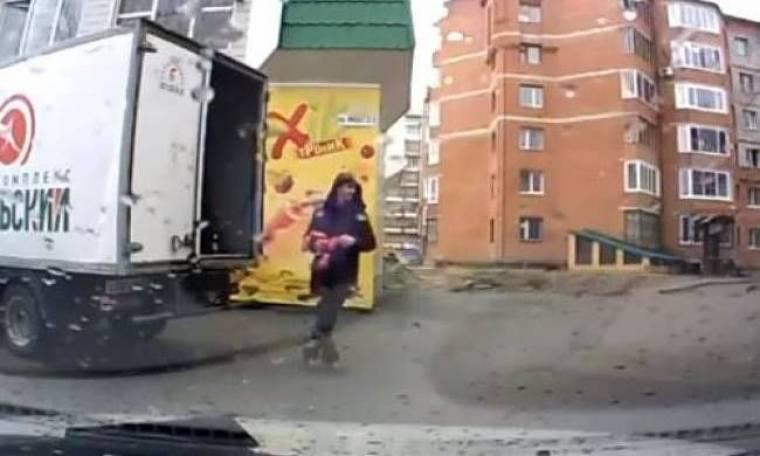 Βίντεο: Ληστεία λουκάνικων on camera