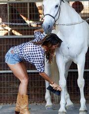 Η Λέιλανι Ντάουντινγκ ξέρει από… άλογα