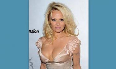 Η ακατάλληλη φωτογραφία της  Pamela Anderson  που κάνει το γύρο του κόσμου!