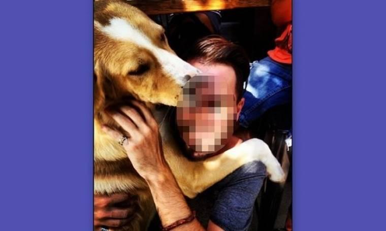Αγκαλιές και φιλιά από τον σκύλο του