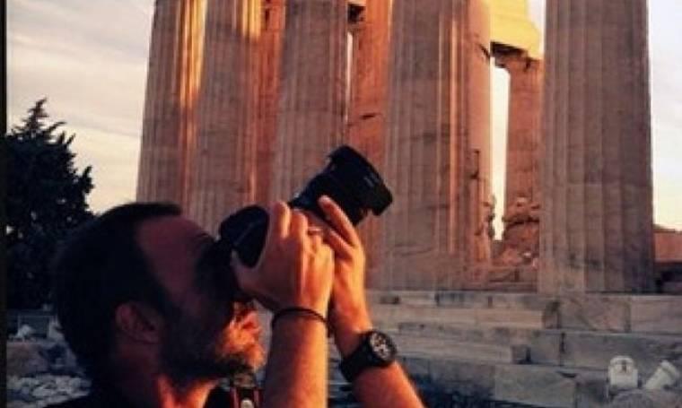 Ο Νίκος Αλιάγας φωτογραφίζει την Ακρόπολη!
