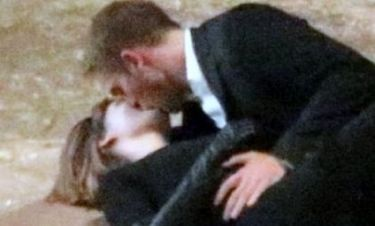 Τα καυτά φιλιά του Robert Pattinson με την παρτενέρ του