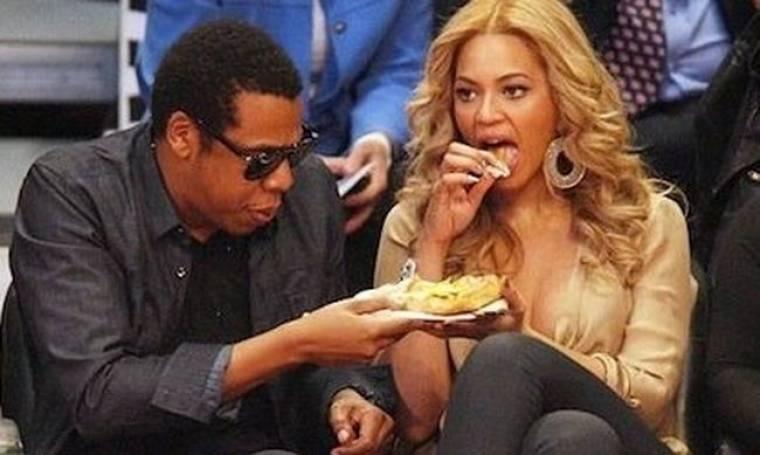 Πόσο έφαγε η Beyonce και πλήρωσε 1400 δολάρια σε γνωστό φαστ φουντ;
