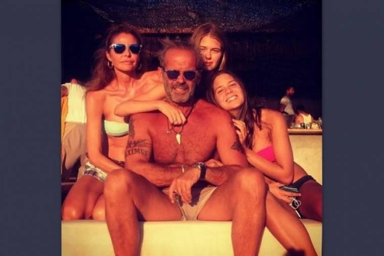 Ο Πέτρος και τα κορίτσια του!