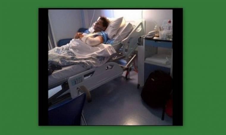 Φωτό απο Νοσοκομείο: Έλληνας τραγουδιστής γλίτωσε την τελευταία στιγμή απο ακρωτηριασμό (Nassos blog)