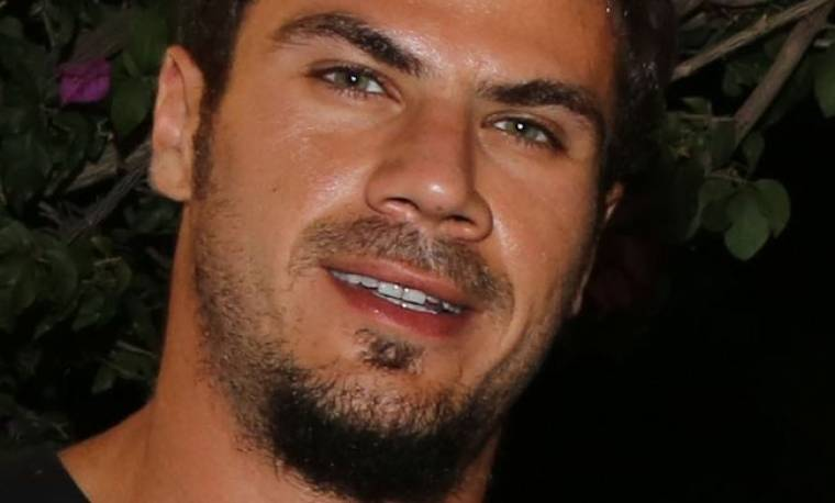 Άκης Πετρετζίκης: «Οι γονείς μου πίστεψαν ότι ήταν ένα καπρίτσιο και πως θα περάσει»