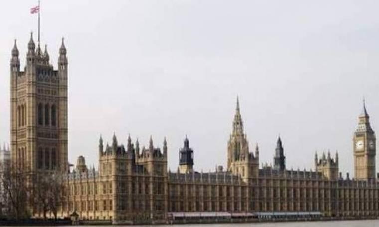 Προσπάθησαν 300.000 φορές να δουν πορνό στο κοινοβούλιο!