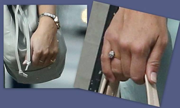 Αυτό είναι το δαχτυλίδι αρραβώνων της… (φωτό)