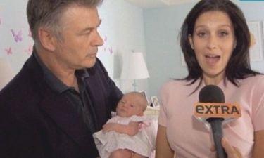 Ο  Alec Baldwin μας συστήνει τη νεογέννητη κόρη του!