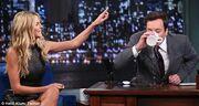 Η Heidi Klum παραλίγο να «πνίξει» τον παρουσιαστή!